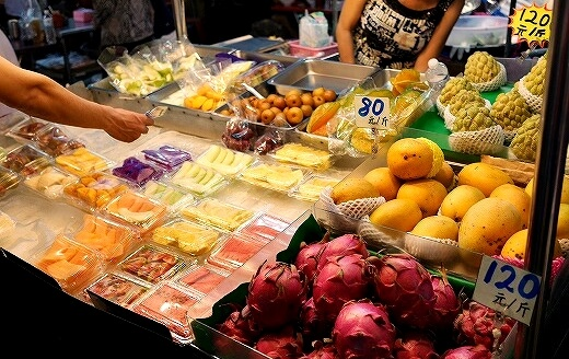 六合夜市 六合鮮水果 フルーツ
