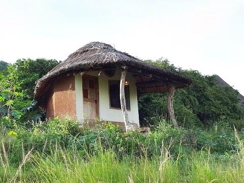 ウガンダ Rwakobo Rock ルワコボ・ロック ホテル
