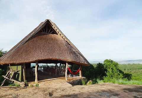 ウガンダ Rwakobo Rock ルワコボ・ロック レストラン フロント