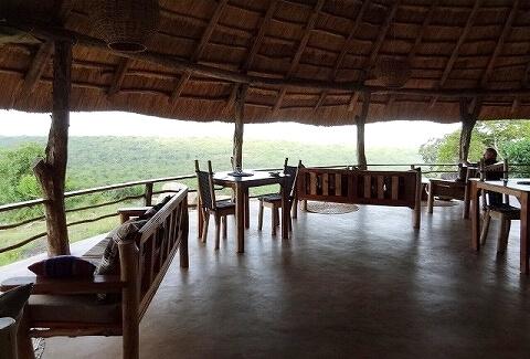 ウガンダ Rwakobo Rock ルワコボ・ロック レストラン