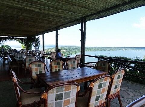 ウガンダ ムウェヤサファリロッジ ムウィヤ レストラン Mweya Safari Lodge