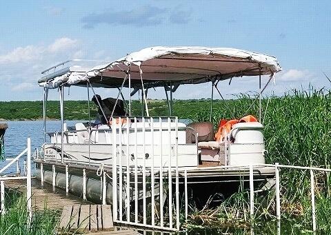 ウガンダ クイーンエリザベス国立公園 ボートサファリ ボート