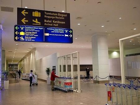 エアアジア クアラルンプール 国際線乗り継ぎ 方法 KLIA2