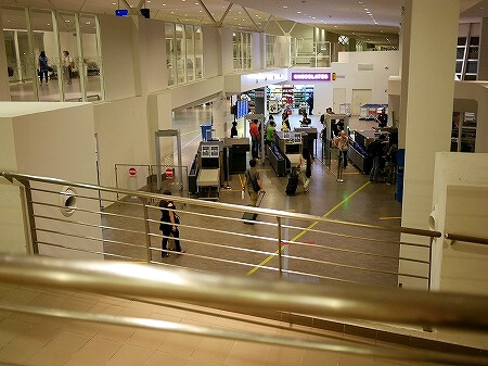 クアラルンプール 空港 乗り継ぎ KLIA2