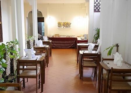 ラオス、ビエンチャンのル・ラックス・ブティックホテル Le Luxe Boutique Hotel 朝食