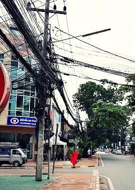 ラオス ビエンチャン 電線
