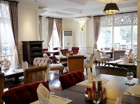 ラオス ビエンチャン ダバラ・ブティックホテル Dhavara Boutique Hotel 朝食レストラン
