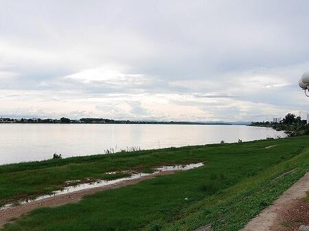 ラオス ビエンチャン メコン川 9月