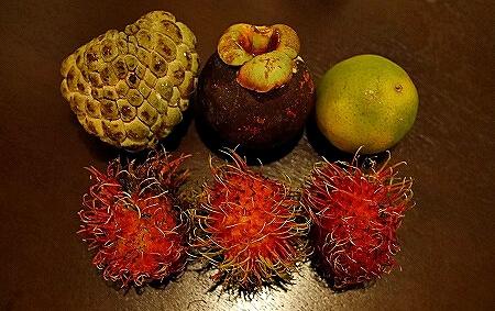 Khua Din Market Talat Khuadin クアディンマーケット 市場 タラートクアディン 果物 マンゴスチン 釈迦頭 ランブータン