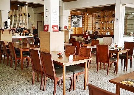 ラオス ビエンチャン Benoni Cafe  ベノニカフェ 店内