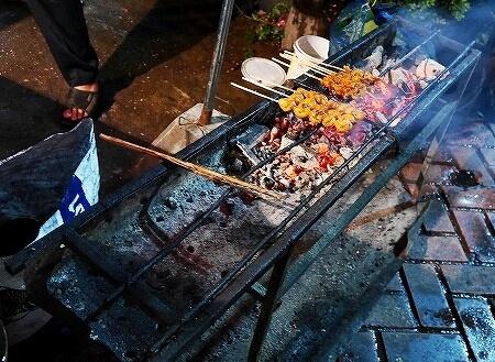 ラオス ビエンチャン 屋台 焼き鳥 ぼんじり