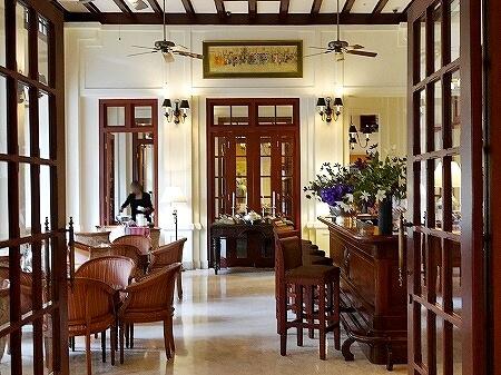 ラオス ビエンチャン セタパレスホテル Settha Palace Hotel バー レストラン
