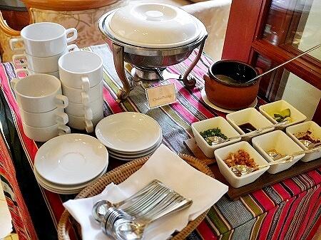ラオス ビエンチャン セタパレスホテル Settha Palace Hotel 朝食 レストラン おかゆ