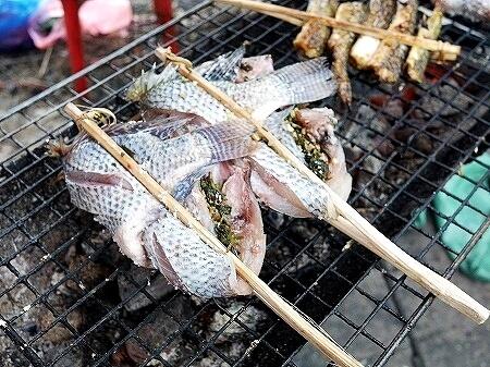 ラオス ビエンチャン 屋台 焼き魚