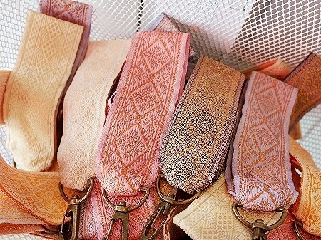 INTER WOVEN ラオス ビエンチャン お土産 アクセサリー キーホルダー
