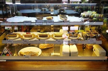 ラオス ビエンチャン カフェ Le Banneton ル・バントン ケーキ