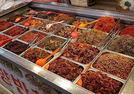 韓国 大邱 テグ 西南市場 ソナム市場 故郷おかず店 キムチ