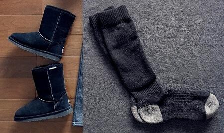 冬 旅行ファッション 服装 ムートンブーツ くつ下 ベアパウ