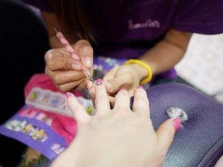 ミャンマー ヤンゴン ジェルネイル ネイルサロン Those Nails ビジュー