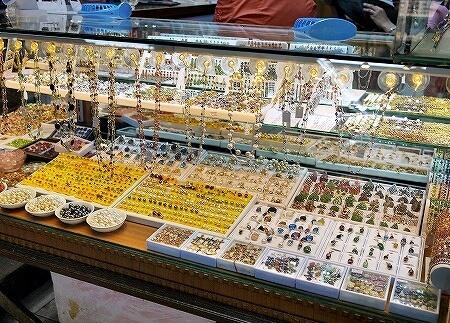ミャンマー ヤンゴン ボージョーアウンサンマーケット Bogyoke Aung San Market 宝石 ルビー
