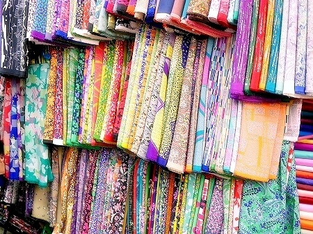ミャンマー ヤンゴン ボージョーアウンサンマーケット Bogyoke Aung San Market 布