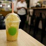 ミャンマー ヤンゴン FREEDOM CAFE カフェ コラーゲン ドリンク