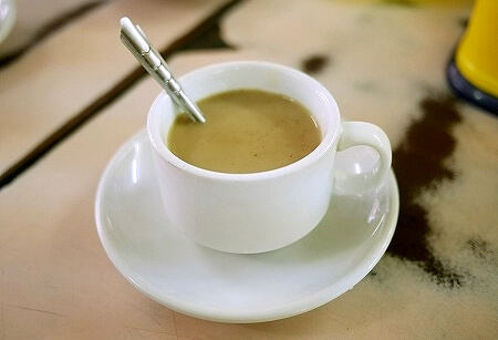ミャンマー ヤンゴン GOLDEN BELL Tea Centre カフェ ローカル喫茶店 コーヒー