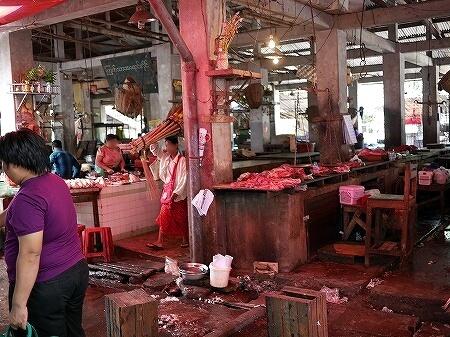 ミャンマー ヤンゴン インセイン市場 肉