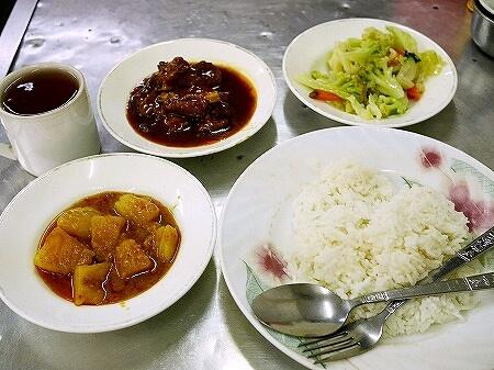 ミャンマー ヤンゴン ローカルレストラン 203 カレー