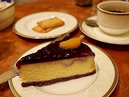 ミャンマー ヤンゴン スーレーシャングリラホテル ピーコックラウンジ PEACOCK LOUNGE チーズケーキ