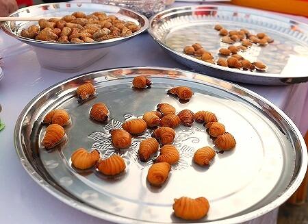 食用 ヤシオオオサゾウムシの幼虫 ゾウムシ ミャンマー ヤンゴン 屋台
