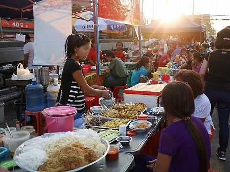 ベルモンド ガバナーズ レジデンス Belmond Governor's Residence ヤンゴン ミャンマー 屋台 ナイトマーケット