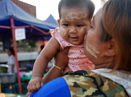 ベルモンド ガバナーズ レジデンス Belmond Governor's Residence ヤンゴン ミャンマー 屋台 ナイトマーケット 赤ちゃん