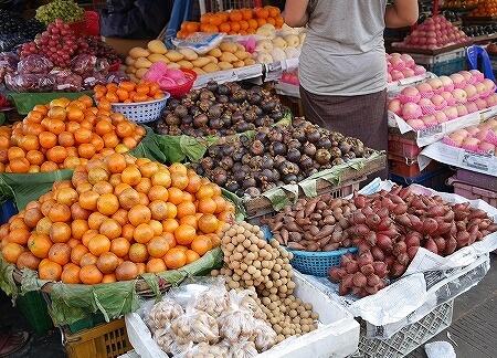 ベルモンド ガバナーズ レジデンス Belmond Governor's Residence ヤンゴン ミャンマー 屋台 ナイトマーケット フルーツ