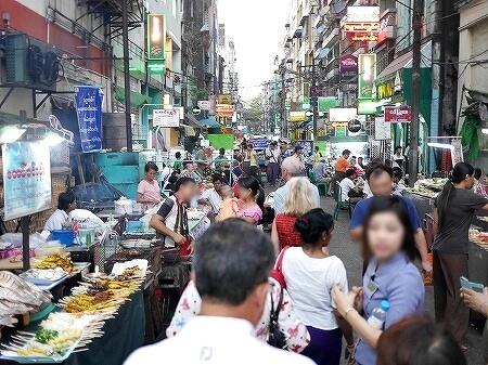 ミャンマー ヤンゴン 中華街 屋台 ナイトマーケット