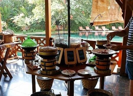 ベルモンド ガバナーズ レジデンス Belmond Governor's Residence ヤンゴン ミャンマー 朝食 ベーコン