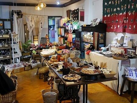ミャンマー ヤンゴン dacco. お土産屋 店内