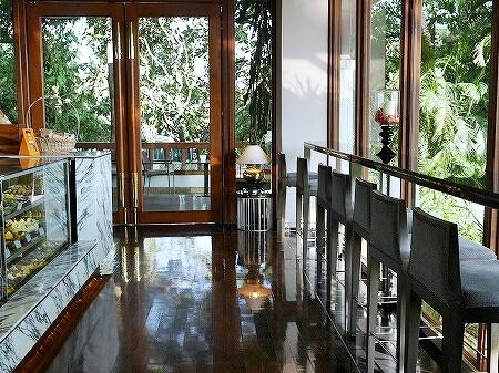 ミャンマー ヤンゴン チャトリウムホテル ロビーラウンジ カフェ カウンター席