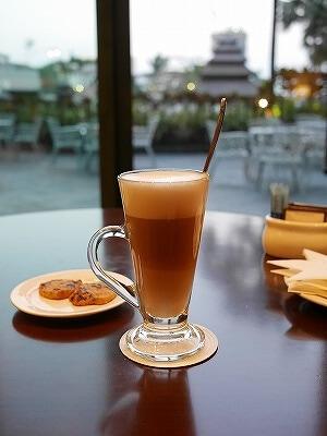 ミャンマー ヤンゴン セドナホテル ロビーラウンジ カフェ カフェラテ