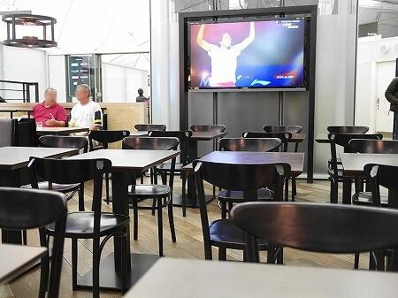 香港空港 プラザプレミアムラウンジ(West Hall)Plaza Premium Lounge 席