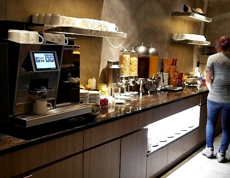 香港空港 プラザプレミアムラウンジ(East Hall)Plaza Premium Lounge