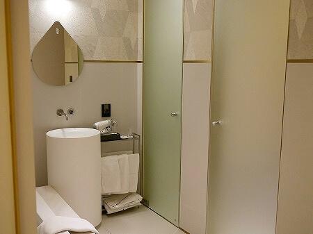 韓国、光明 GM JS ブティック ホテル GM JS Boutique Hotel 洗面所