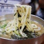 韓国 光明伝統市場 ホンドゥケカルグクス(홍두깨칼국수) うどん