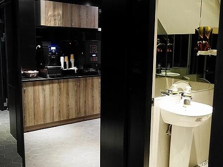 台湾 台北 ホテル リラックス 5 旅楽序精品旅館 站前五館 Hotel Relax V コーヒー トイレ