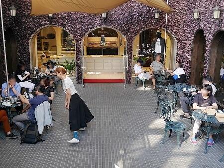 台湾 台北 The Lobby of Simple Kaffa バリスタ世界チャンピオン カフェ テラス席