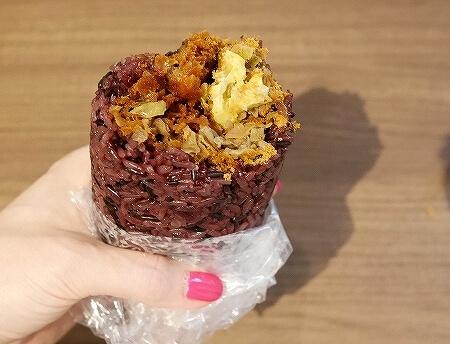 台湾 台北 人気 おにぎり 劉媽媽飯糰 招牌紫米飯糰