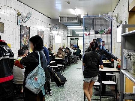 台湾 台北 金峰魯肉飯 店内
