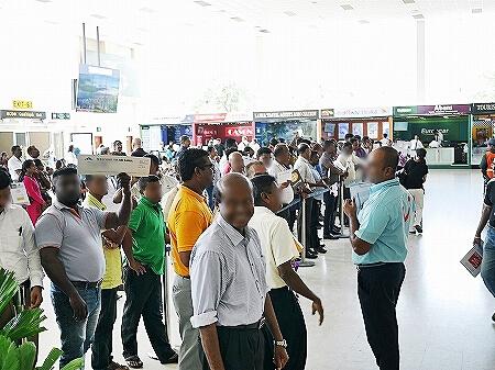 スリランカ カルナカララ・アーユルヴェーダ・スパ&リゾート 滞在記 karunakarala 空港送迎