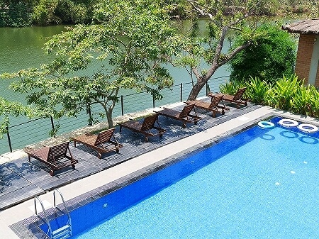 スリランカ カルナカララ・アーユルヴェーダ・スパ&リゾート 滞在記 karunakarala プール