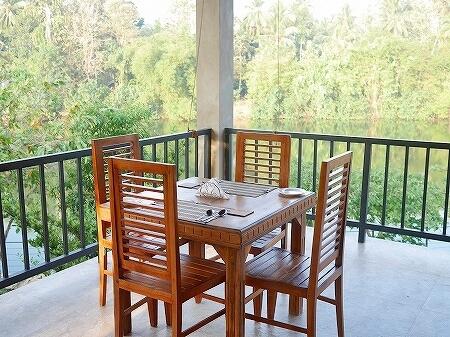 スリランカ カルナカララ・アーユルヴェーダ・スパ&リゾート 滞在記 レストラン 2階 karunakarala